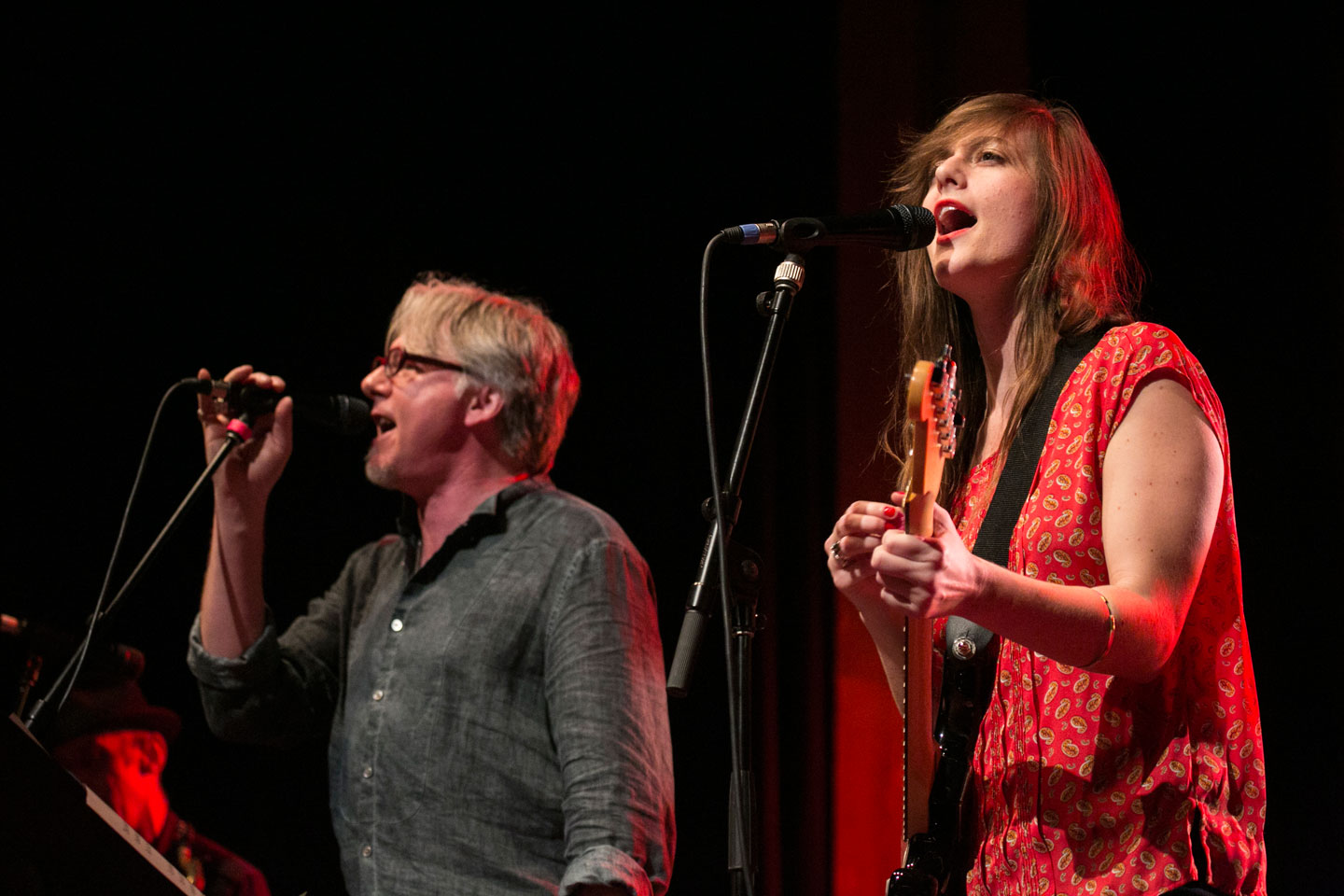 Mike Mills and Skylar Gudasz perform at the Sydney Festival, 2014