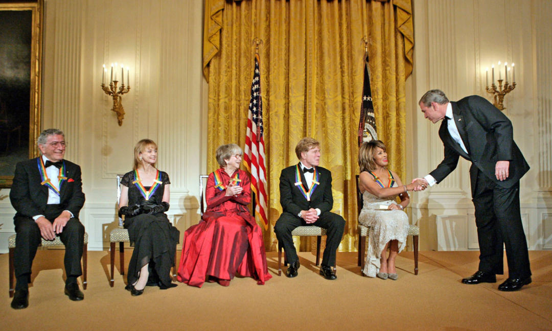 Tina Turner accepts Kennedy Center honors from President George W Bush